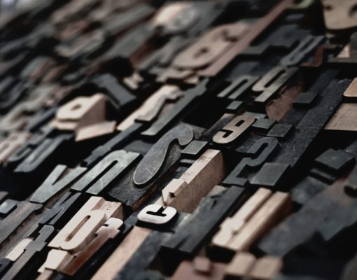 letters-raphael-schaller-GkinCd2enIY-unsplash